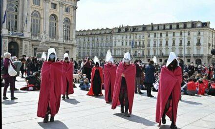 in piazza per il diritto all'autoderminazione!